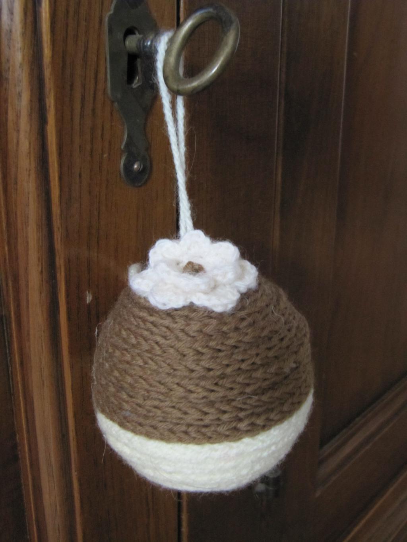 Palline di natale con la lana